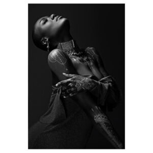 black-woman-with-bodyart-BW