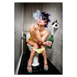Mondiart-Girl-on-toilet-smoking